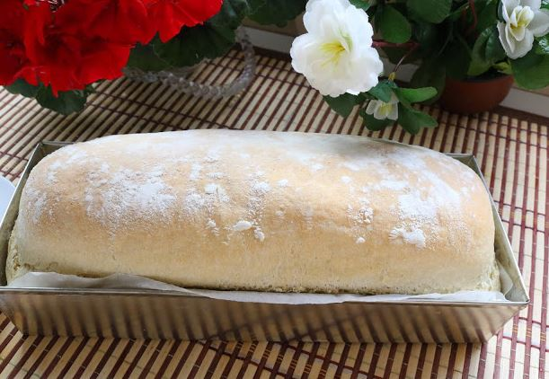 Трик за лебот да биде повкусен – Секогаш правете го ова при месењето