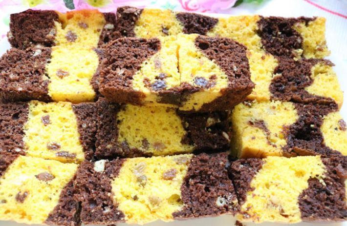 Шарен чоколаден колач: Неодолив десерт кој освојува на прв залак (Видео)