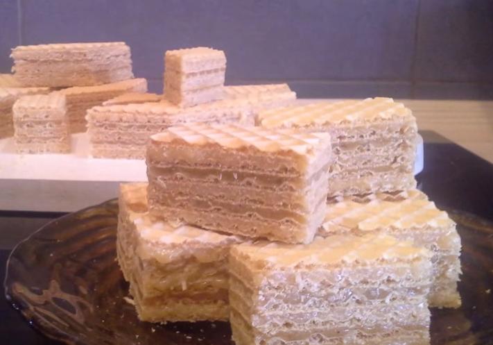 Видео рецепт: Рафаело обланди со два фила