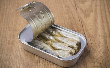 """Една конзерва """"пука од здравје"""" – Причини да јадете сардини"""