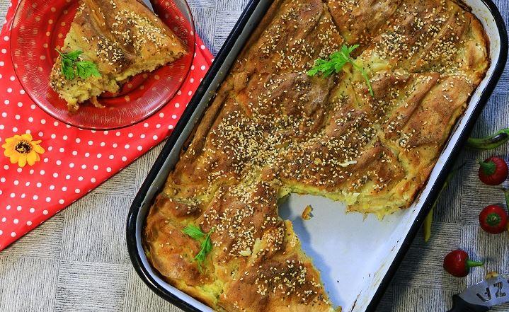 Вкусна и сочна: Брза пита со тиквици и сирење