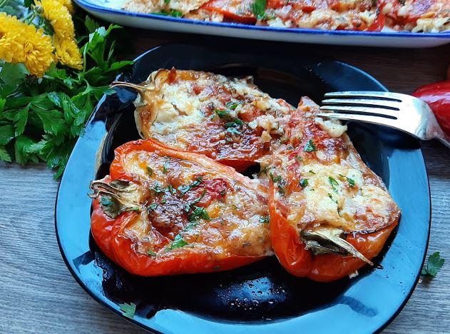 Малку поинакви полнети пиперки: Лесни, вкусни и едноставни за подготовка