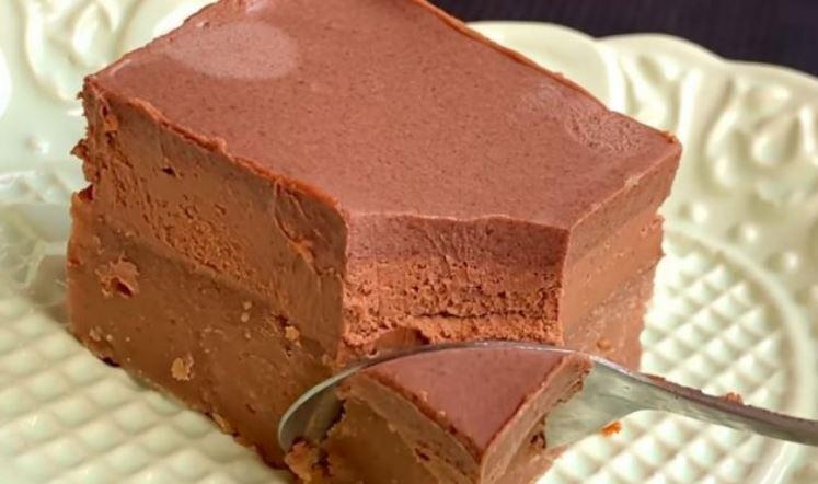 Без печење: Чоколадни коцки од само 2 состојки