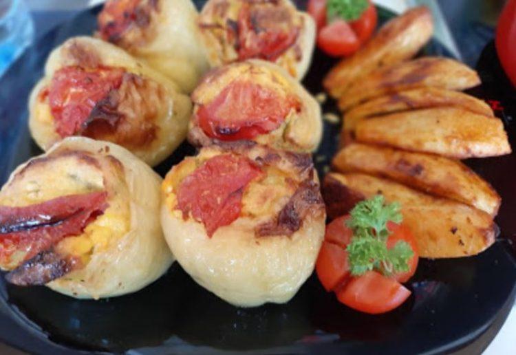Пиперки полнети со сирење, лук и јајца