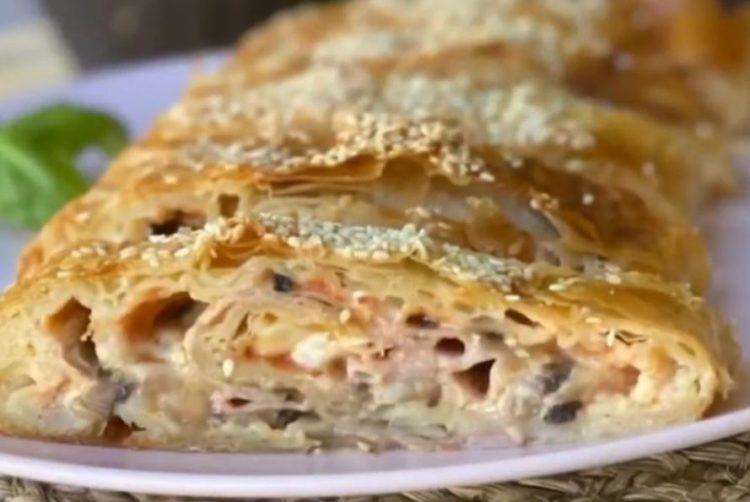 Пица ролат од готови кори: Ручек за 30 минути