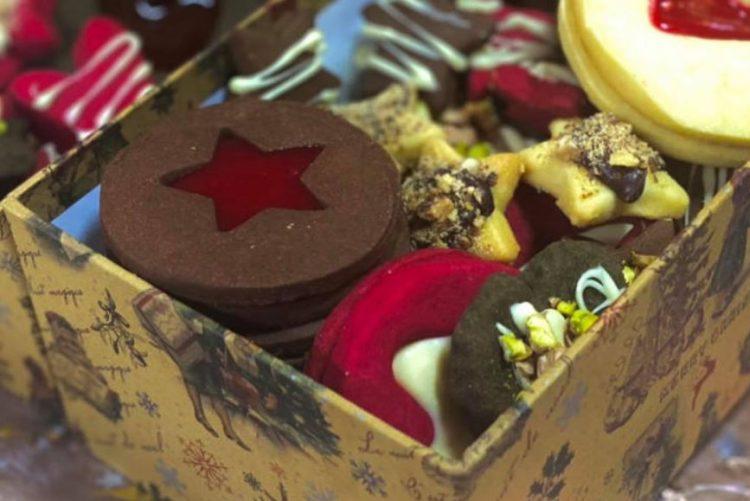 Празниците не можат да се замислат без овие колачи: Рецепт за основна смеса за путер кекси