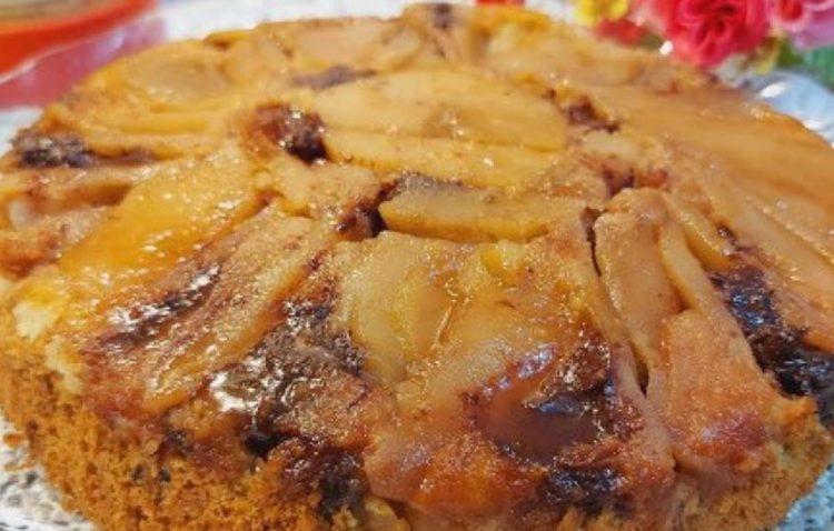 Сочен колач со јаболка – прсти да излижеш