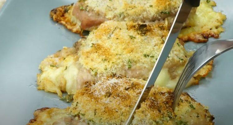 Гурмански ручек за половина час: Свински котлети запечени во рерна