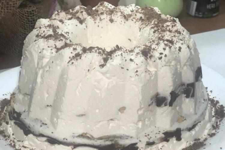 Бела куглоф торта: Совршен десерт
