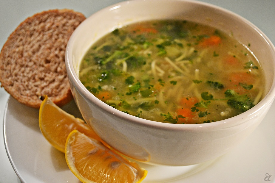 Ви здодеа од готовите супи? – Направете богата супа со компир и кнедли