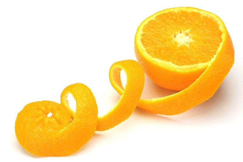 ВИДЕО: Како да излупите портокал за 15 секунди