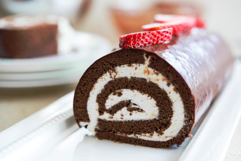 ВИДЕО: Рецепт за брз домашен чоколаден ролат