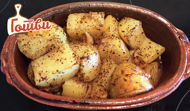 Млад компир со лукче – вистински деликатес