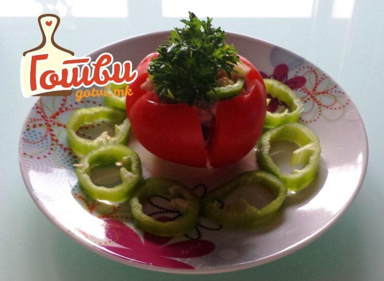 За полесно да излупите домат – Има мал трик