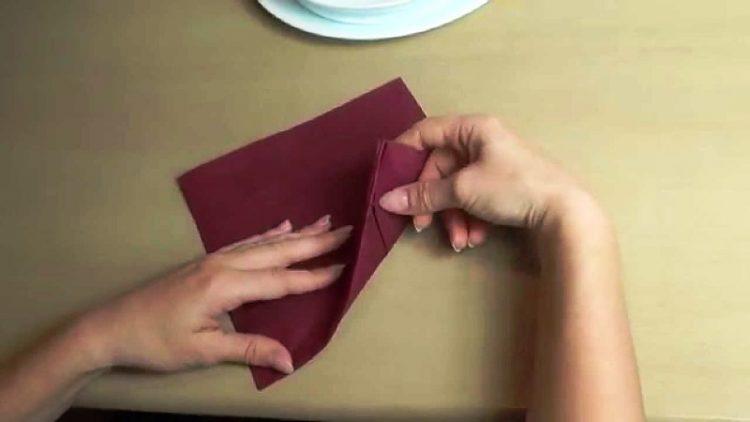 Како да направите професионални декорации со салфетки (видео)