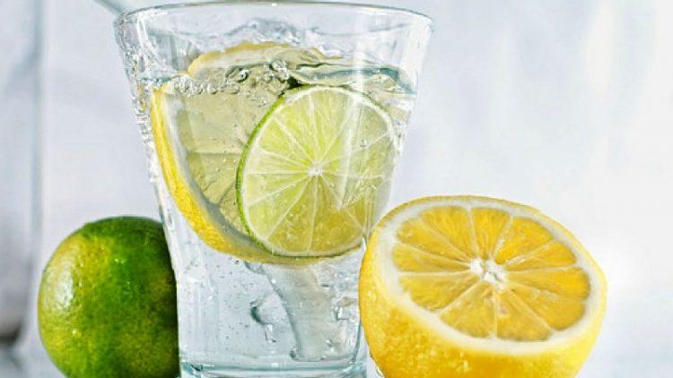 """Го зајакнува организмот, топи килограми и лесно се прави: Сите """"полудеа"""" по оваа лимонада! (ВИДЕО)"""