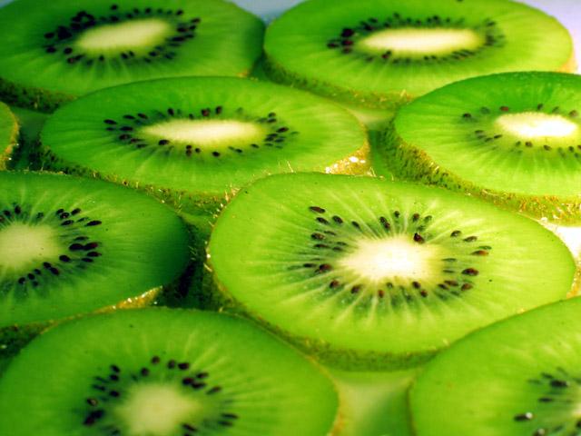 Изобилство на витамин Ц: Киви и лимон – совршено за летото