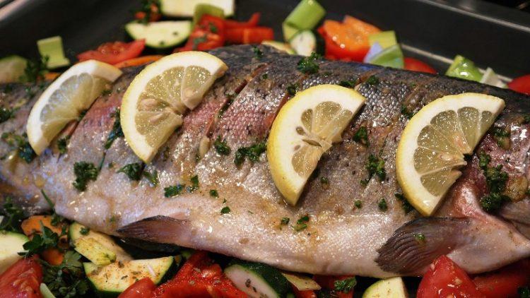 Риба печена во фолија за ручек