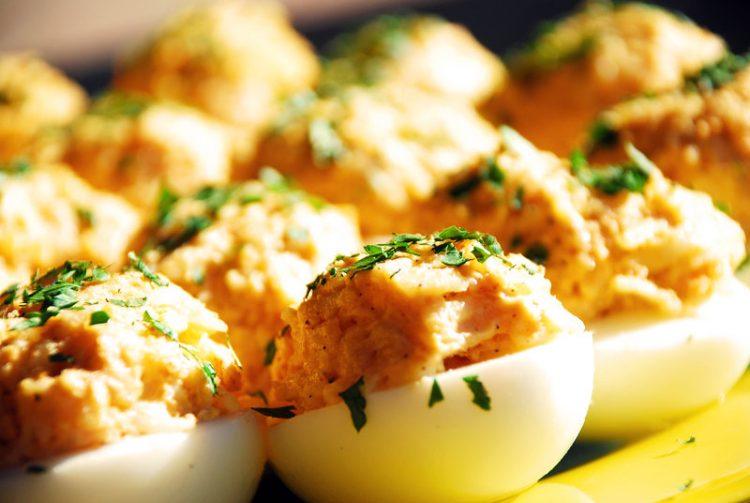Полнети јајца – Вкусен појадок по едноставен рецепт