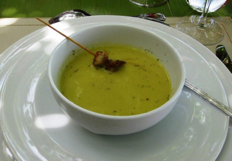 Зелена чинија со одличен вкус: Направете чорба од грашок
