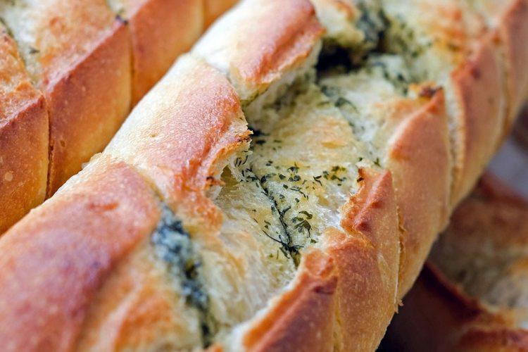 Деликатес на денот: Полнет леб како од врвните пекари