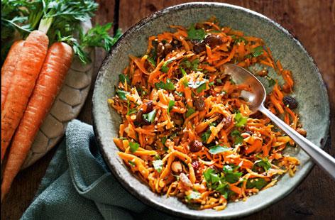 Индиски специјалитет во вашата кујна: Салата со куп зеленчук
