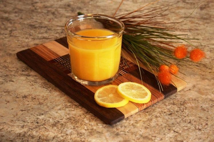 МОЖНО Е: Од само 4 портокали направете 9 литри сок!