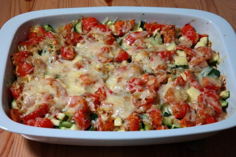 Потпечен зеленчук со сирење