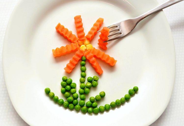 ВАЖНО: Јадете што сакате, но само до 10 наутро!
