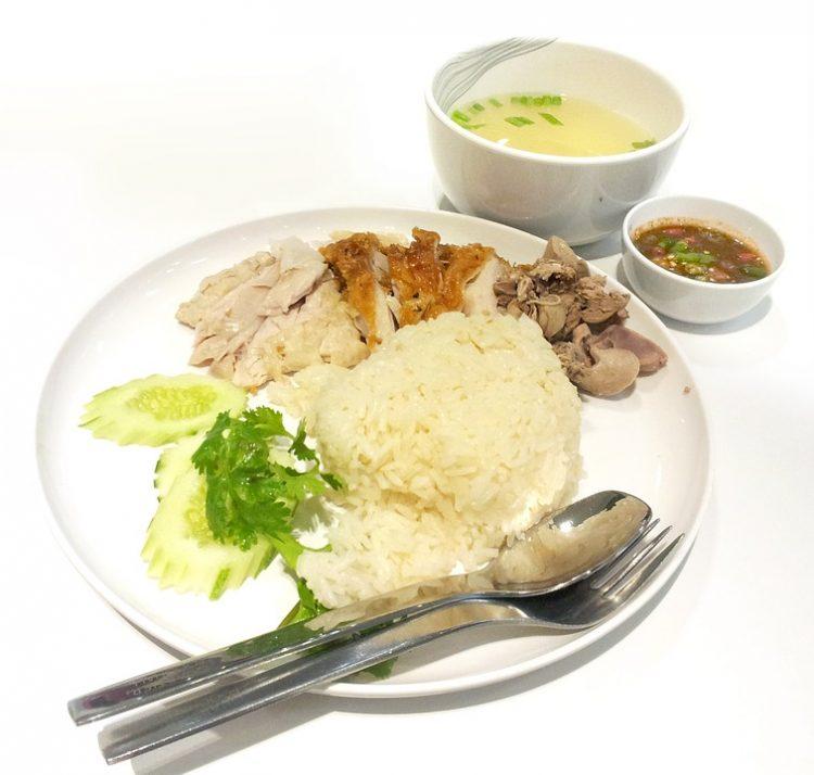Бела чинија која ќе ви стане омилено јадење: Салата со ориз