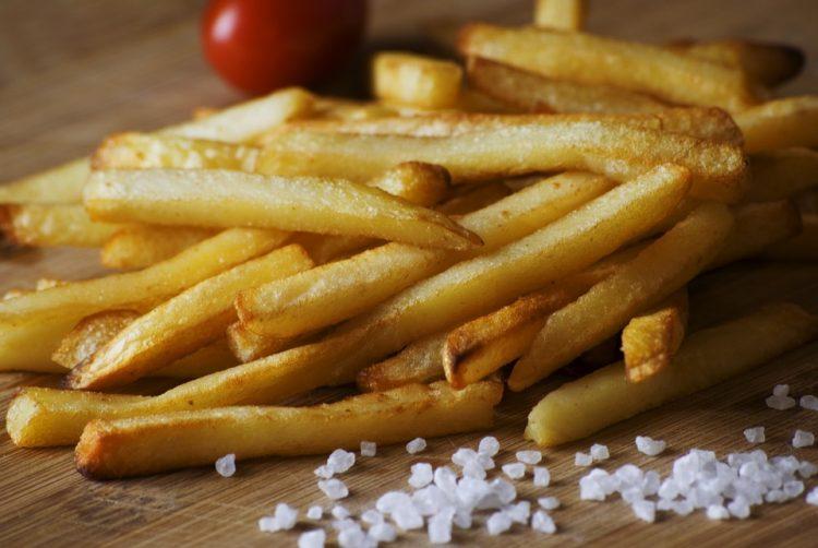 Нешто поинакво во кујната: Лути пржени компирчиња