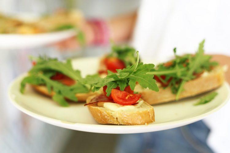 Супер летно мезе: Сендвич со спанаќ и шери