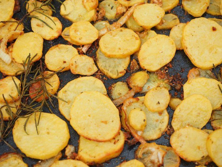 Додадете само една состојка во компирот и ќе има неодолив вкус