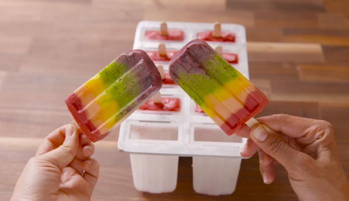 """Овој десерт е """"лудило"""" од бои: Направете сладолед виножито"""