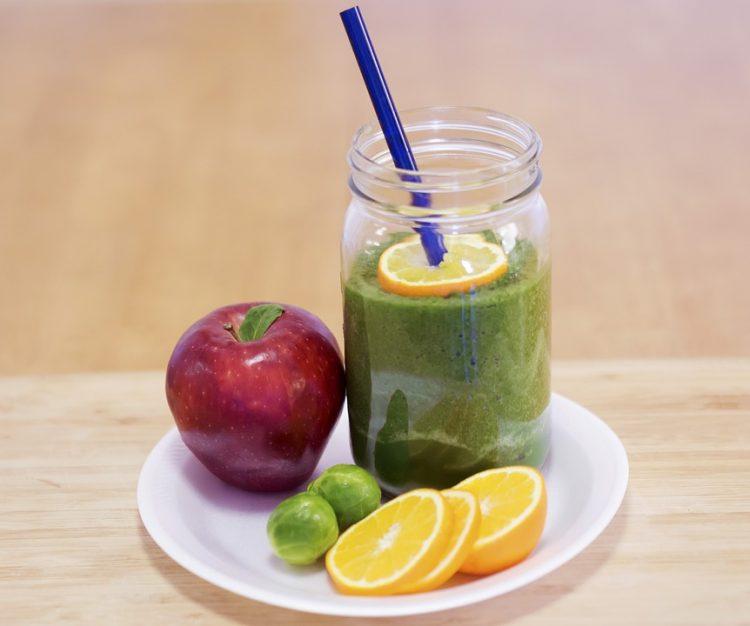 Слабејте и уживајте: Смути со јаболка идеално за најавените горештини