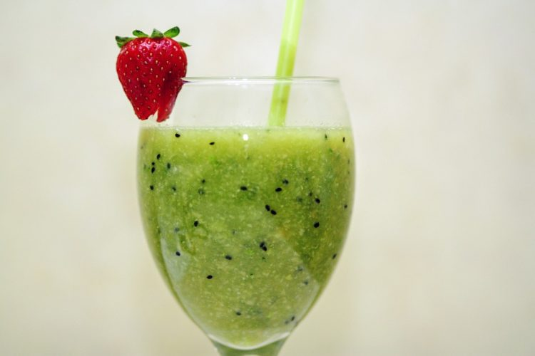 Има повеќе витамин Ц од секое друго овошје: Сок од киви