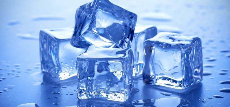 Трик со кој коцките лед ќе се стврднат многу побрзо