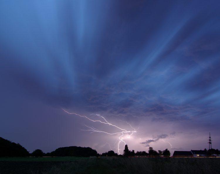 ВРЕМЕНСКА: Метеоролозите најавуваат невереме, но не како она во август