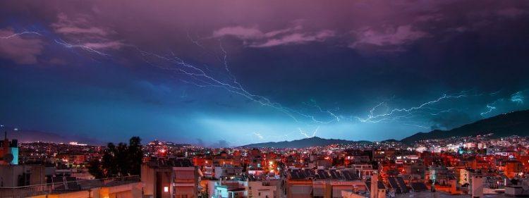 ВИДЕО: Невреме во Македонија – Еве што никако не смеете да правите кога грми