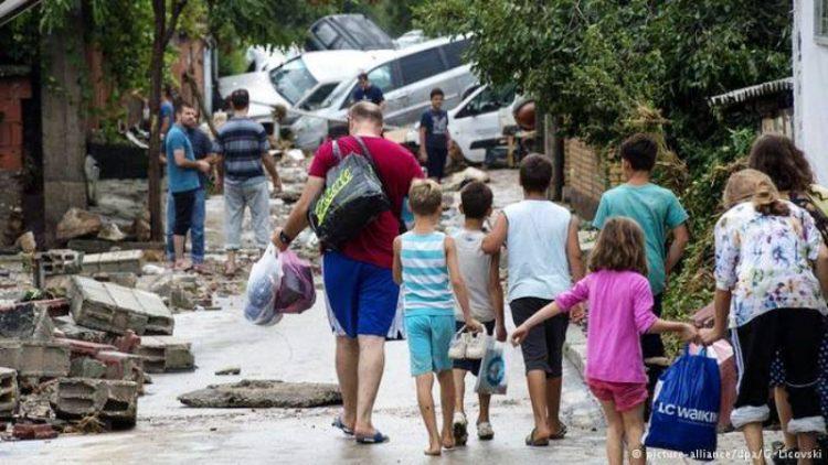 Во моментов: Во ТЦ Зебра се собира помош за настраданите во поплавите
