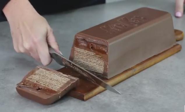 """ВИДЕО: Чоколадно уживање – Огромна """"кит кет"""" торта"""