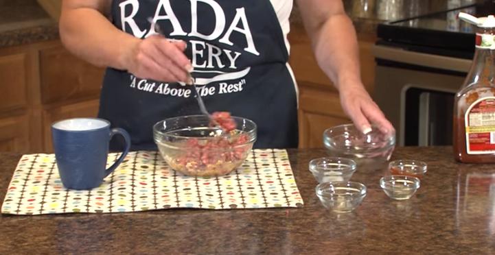 ВИДЕО: Заборавете на плескавиците: Ќофтиња во чаша готови за миг