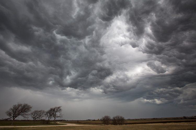 Синоќа дожд и грмотевици во Кичево – какво ќе биде времето денеска?