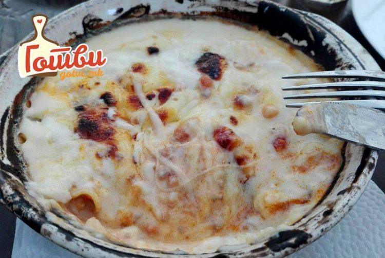Брз и вкусен ручек од малку состојки: Пилешко во бешамел