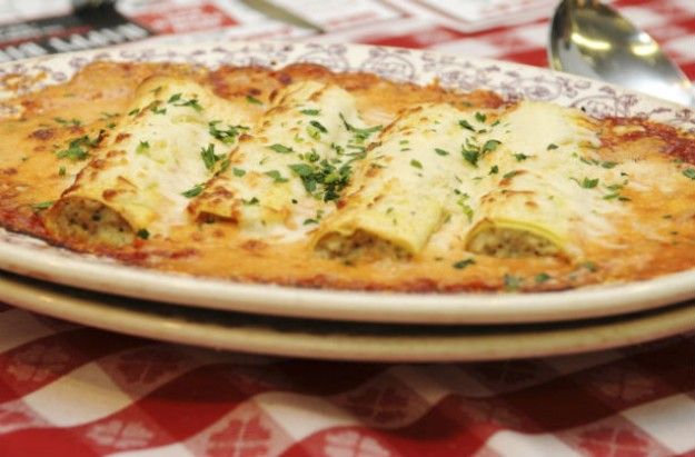 Деликатес на трпеза: Канелони со четири вида сирење