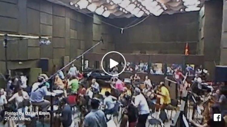 ВИДЕО: Музичарите имаа проба, кога ги стресе земјотресот во 17:10 часот…