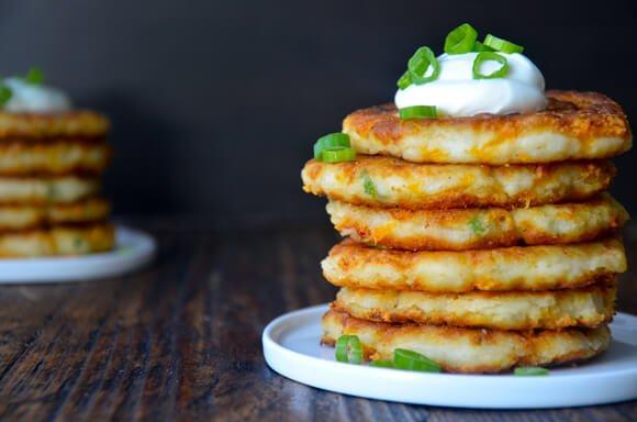 Мини палачинки од компир и сирење – прекрасна арома од кујната