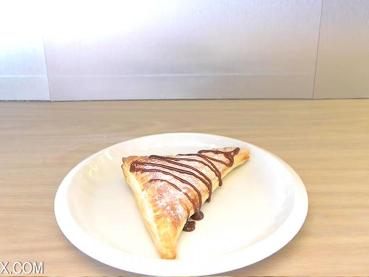 Неверојатен десерт со три состојки: Откако ќе го погледнете видеото, веднаш ќе се фатите за работа!