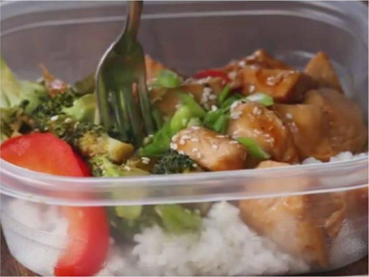 СОН НА СЕКОЈА ДОМАЌИНКА: Направете го денес и ќе имате ручек за наредните четири дена! (ВИДЕО)