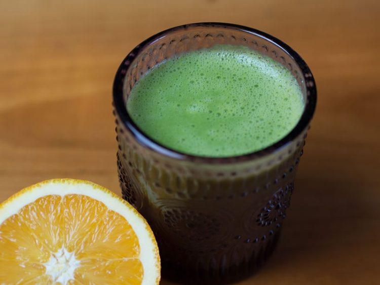 Зимски детокс напиток – Полн витамин Ц, го чисти телото од сите токсини